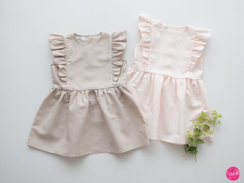 Schöne Outfits zur Taufe für Jungen und Mädchen